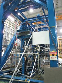 CFRP翼構造 強度評価試験装置