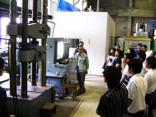 材料引張実験